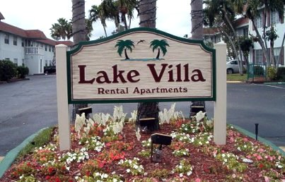 picture: Lake Villa front sign
